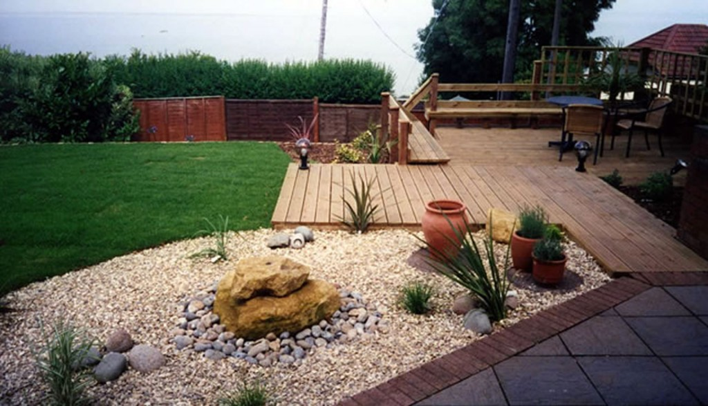 Decking Fencing & Pergolas - H01