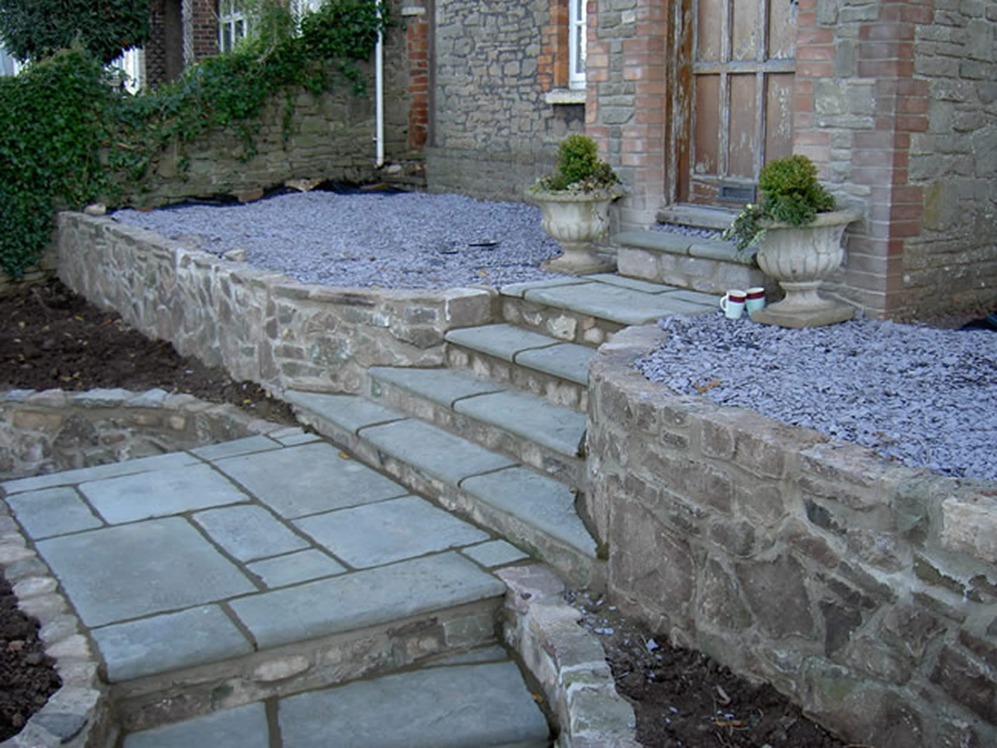 Garden Patio & Paving - L04