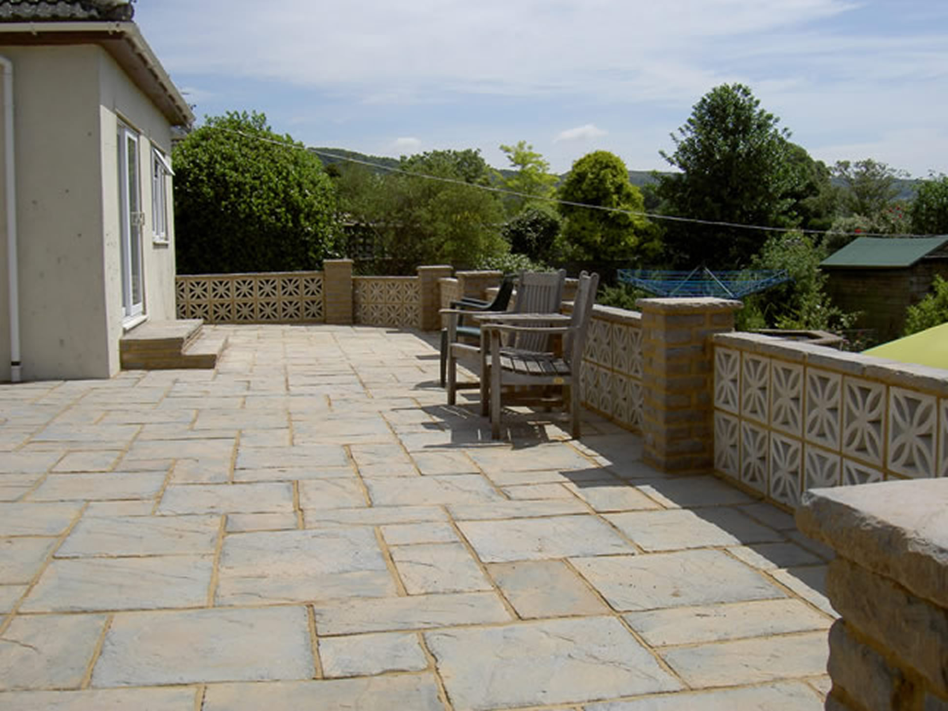 Driveways patio paving p01 pa sloan garden for Paving garden designs