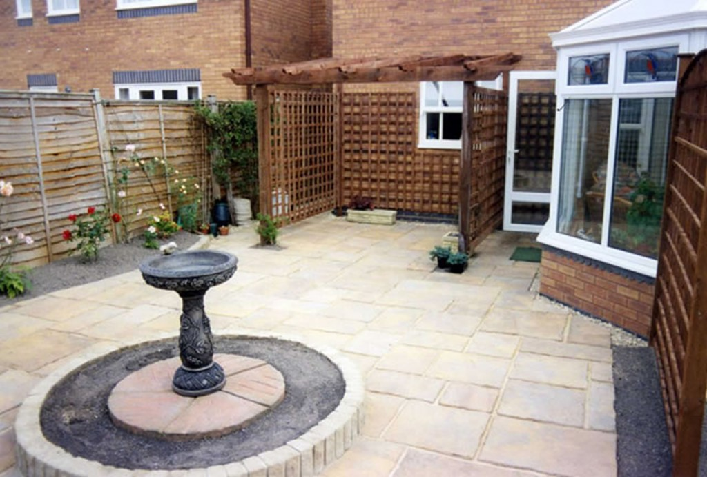 Garden Patio & Paving - Y01