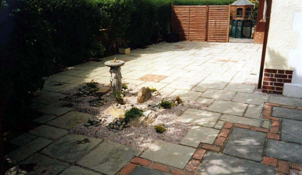 Garden Patio & Paving - Z01