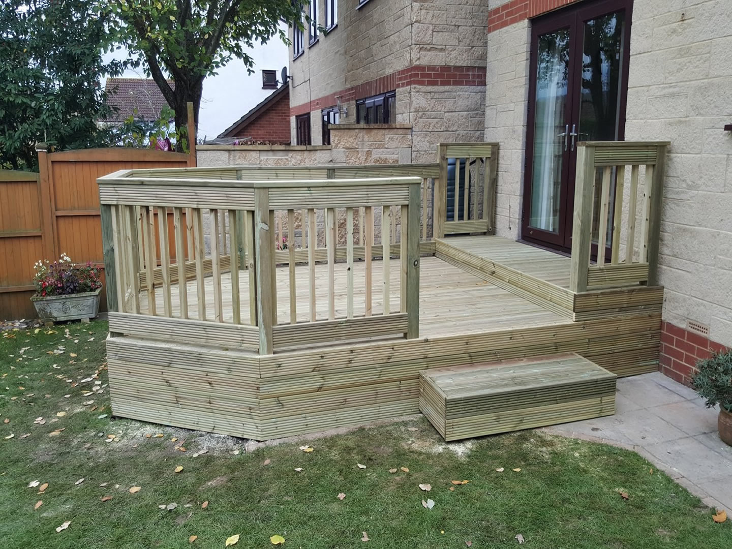 Decking Fencing & Pergolas - S01