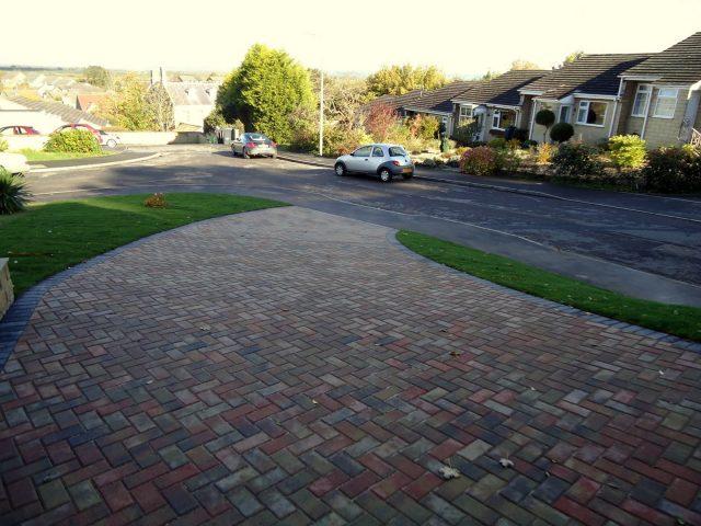 Garden Patio & Paving – 3Z01