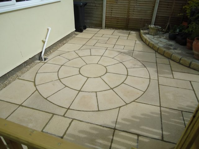 Garden Patio & Paving – 4D01