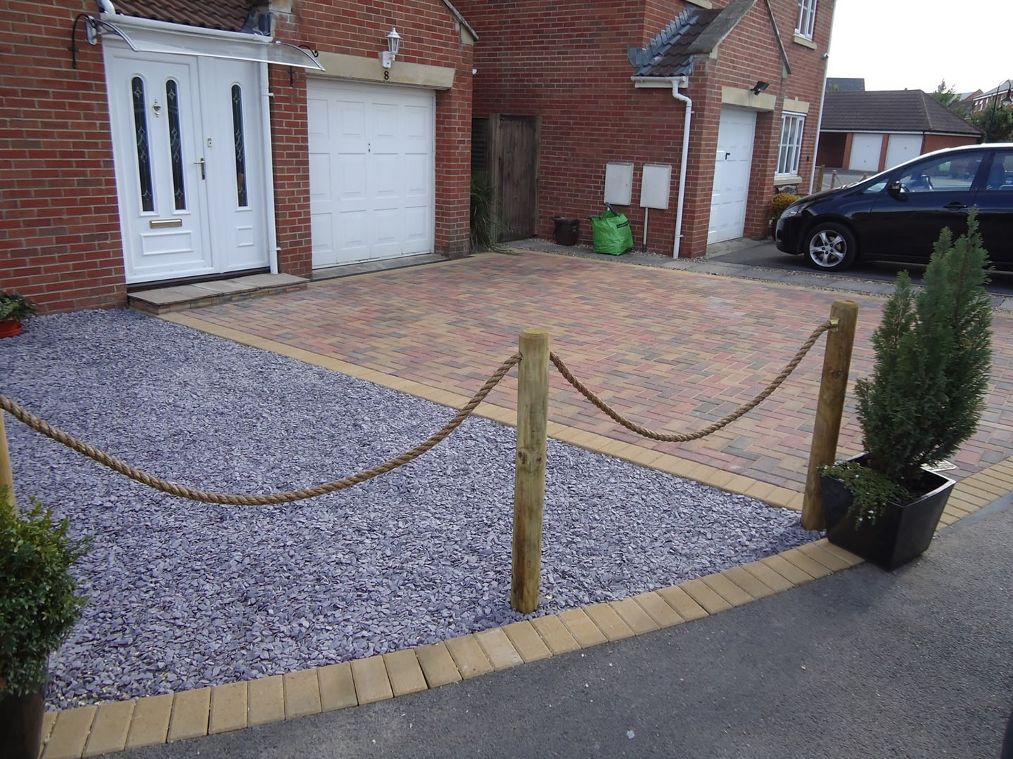 Garden Patio & Paving - 4J01