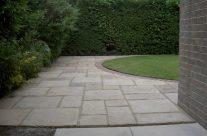 Garden Patio & Paving – 4L01