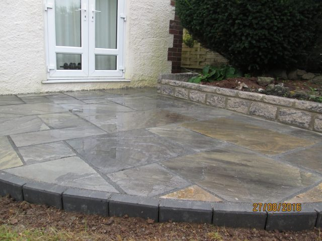 Garden Patio & Paving – 4Q01