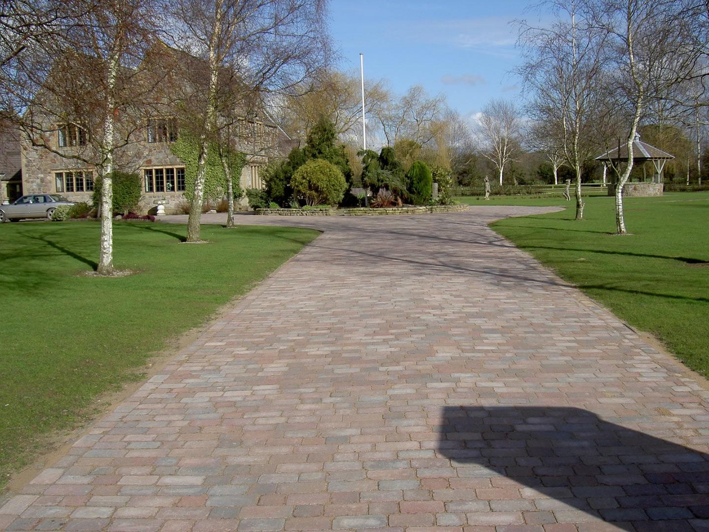 Garden Patio & Paving - 4X01