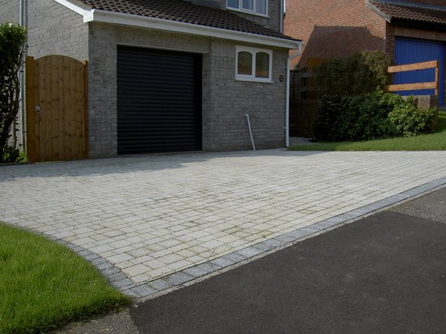 Garden Patio & Paving – 5A01